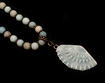 Frosted Amazonite Beaded Necklace with Porcelain Shell Pendant