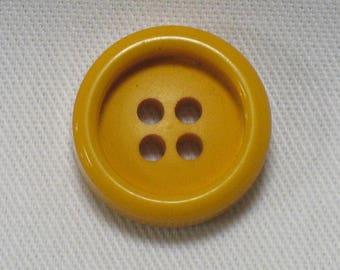 Yellow/orange button, diam.18mm, thickness 5mm, set of 6