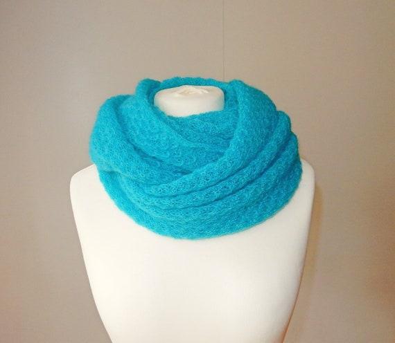 snood tricoté écharpe tricot cercle avec châle de mohair   Etsy ae96bc1468b