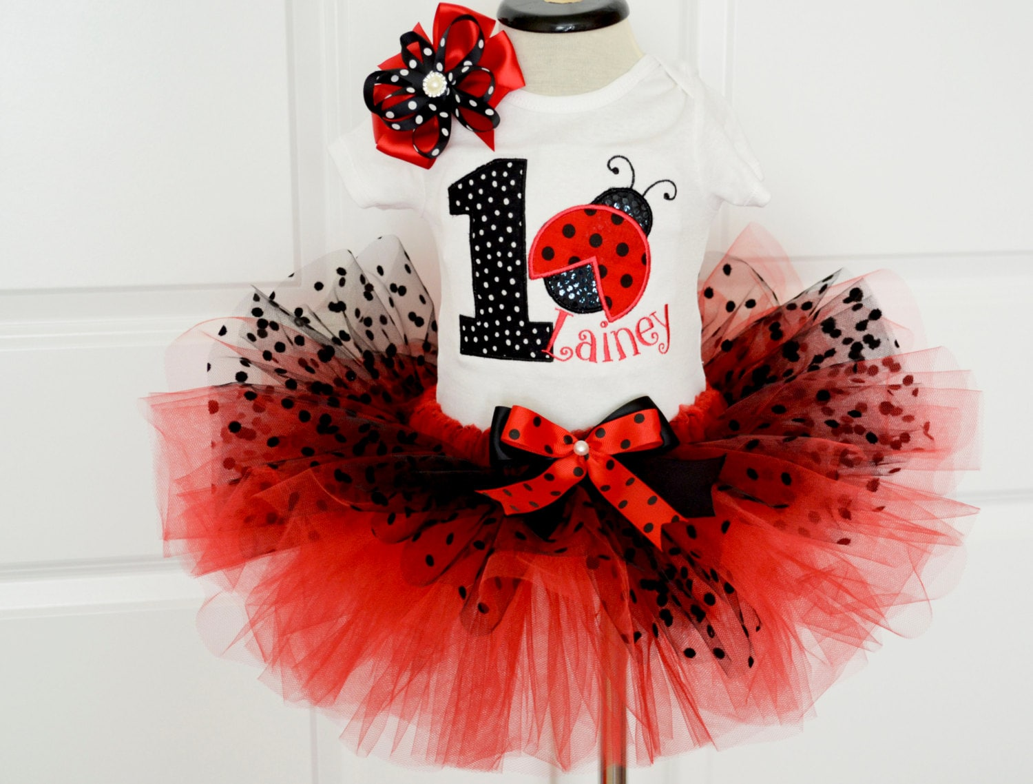 foto de Ladybug birthday outfitfirst birthday outfit girlred black