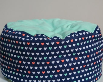 Cat bed - round cat bed ,flannel bed, machine washable cat bed -  cute cat bed, multi color flannel, valentine bed, heart cat bed