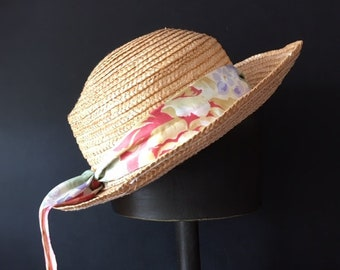 e2b13206 Straw Hat with Floral Ribbon - Size Small