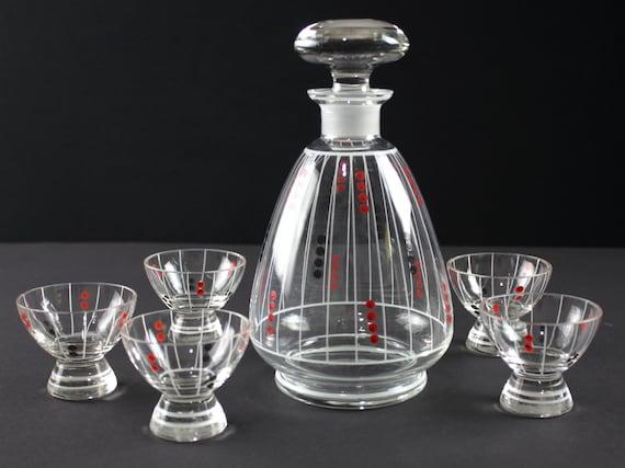 des années 50 ensemble de carafe en verre et six verres à liqueur, carafe en verre, Allemagne de l'est, le milieu du siècle