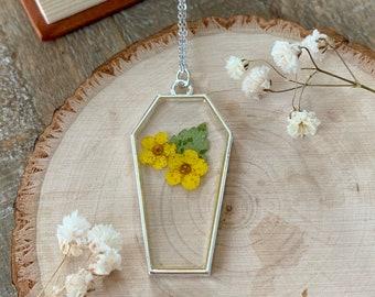 Coffin Necklace - Pressed Flower Necklace - Flower Jewelry - Gothic Jewelry - Soft Grunge - Dark Academia