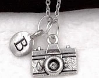 Camera Necklace, Photographers Gift, Women's and Girls Personalized Jewelry, Silver Necklace, Movie Set Gift, Picture Related Gift Ideas