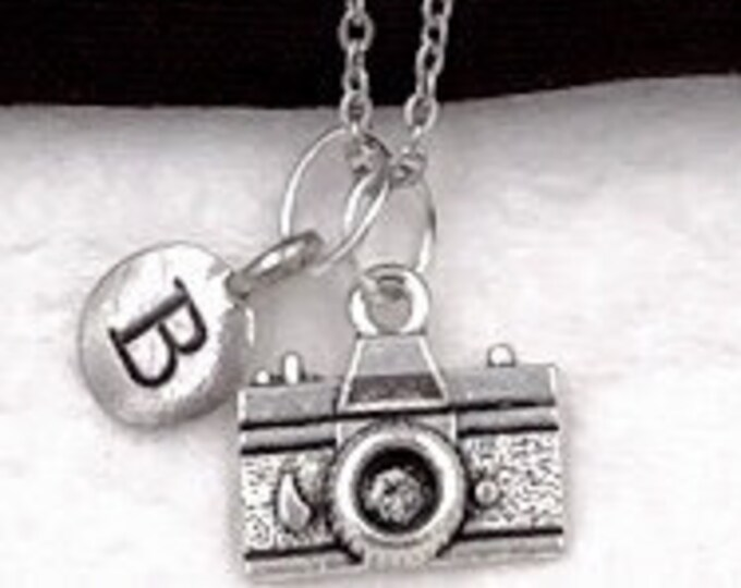 Camera Necklace, Travel Jewelry, Photographers Gift, Photo Jewelry, Camera Charm Jewelry, Women and Girls Personalized Initial Jewelry