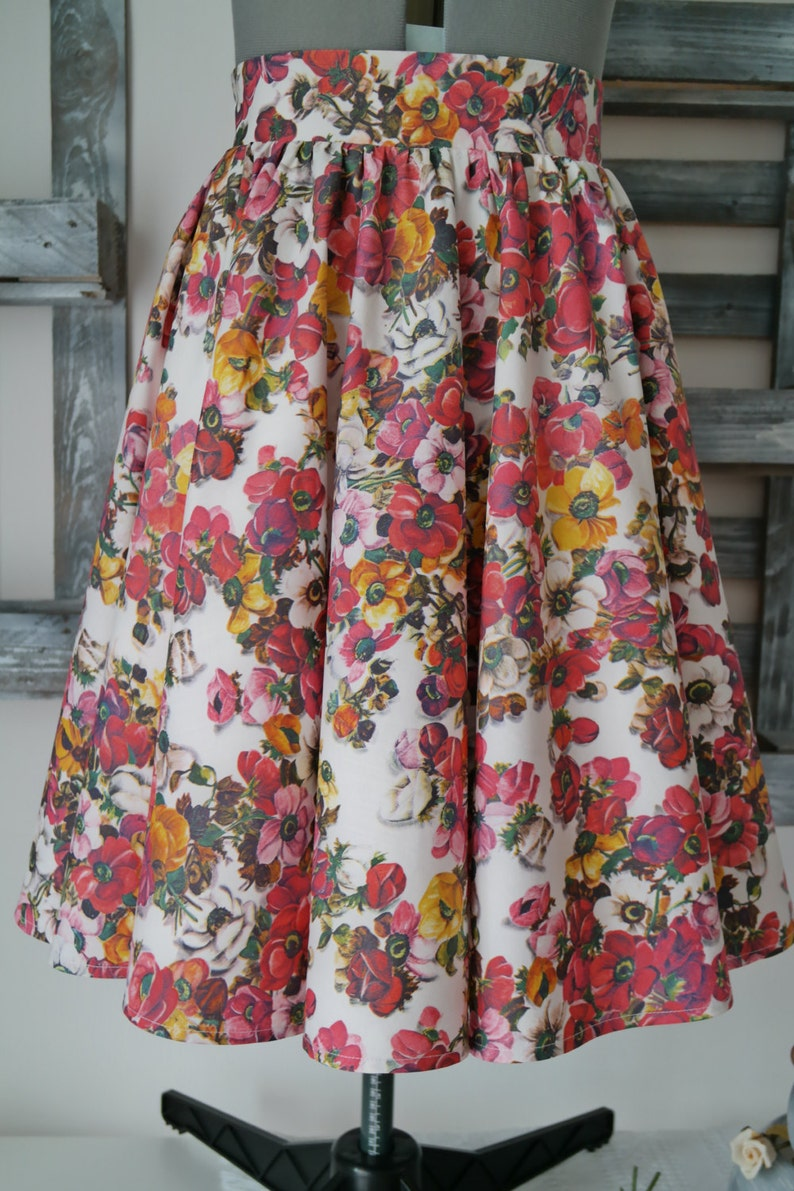 Knee length cotton skirt woman with flowers in full 50 years  13d08a7da38