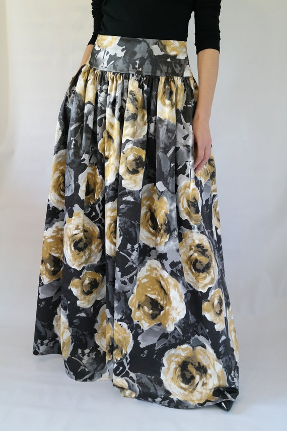 Long skirt with pockets Long skirt ceremony skirt with flowers Long dress from ceremony Long dress Long dress with pockets