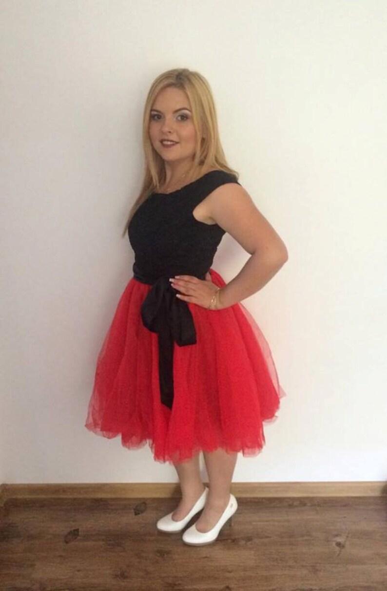 27e6cb76b122 Vestito cerimonia da donna in tulle rosso e pizzo nero Vestito