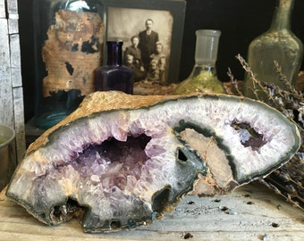 Banded Agate Amethyst Geode / Raw Crystal Geode  Amethyst Cluster Crystal Cave  / Healing Crystals / Amethyst Cluster / Purple Crystal Decor