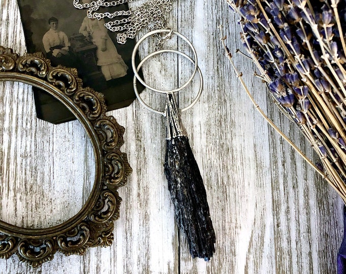 Black Kyanite Necklace in Silver / Big Gothic Crystal Statement Necklace