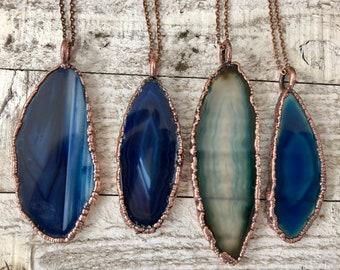 Crystal Necklace Banded Agate Necklace / Boho Blue Crystal Pendant