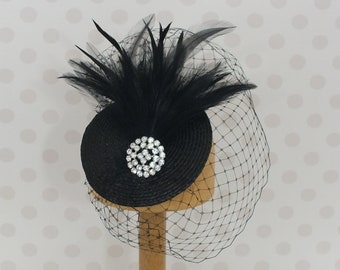 Black Birdcage Veil Fascinator crystal clear stone brooch Feather Mount Races netting Wedding hair comb net vintage