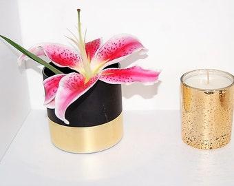 White Musk & Amber Luxury Candle