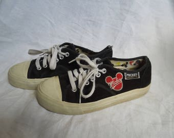 cfe43cb929e SALE 90s Suede Mickey Mouse Sneakers US 6.5