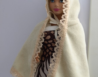 Free shipping! Poncho for dolls.
