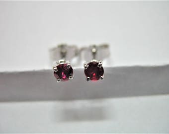 18ct white gold ruby earrings