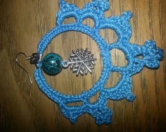 Hand made crochet snowflakes earrings.  Frozen winter.