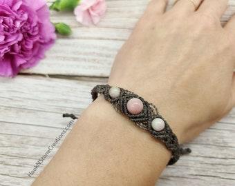 Grey and pink adjustable bracelet - macrame bracelet- handmade jewelry  - handmade bracelet - gift for mom - gift for friend