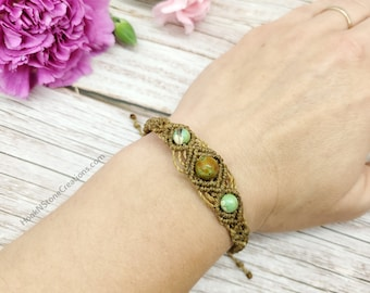 Adjustable macrame bracelet with stone beads - bracelet in natural colors - handmade jewelry macrame - gift ideas for friends