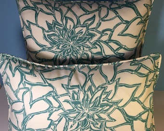 OUTDOOR Corded Pillow Cover - Teal Floral