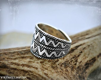 Wolf Ring With Viking Design Unique Mans Wedding Ring Etsy