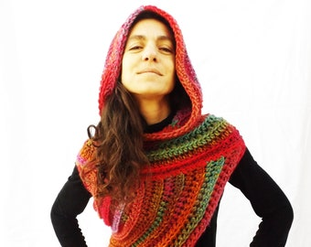 Girl on Fire Vest Crochet Pattern, Cowl, Poncho, Katniss Everdeen, Hunger Games. Cecilia Losada Mamma Do It Yourself