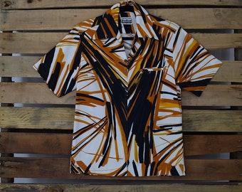 da43a9c1 1970s Vintage Hawaiian Shirt by Napili of Hawaii
