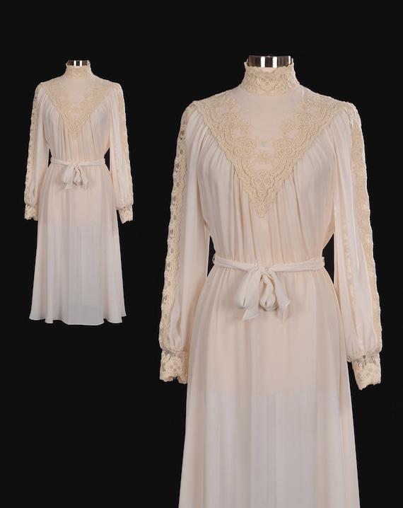 Vintage 1970s 70s Cream Bohemian Floral Lace Turtl