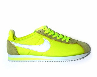 05b332189bc1 Girls  Sneakers   Athletic Shoes - Vintage