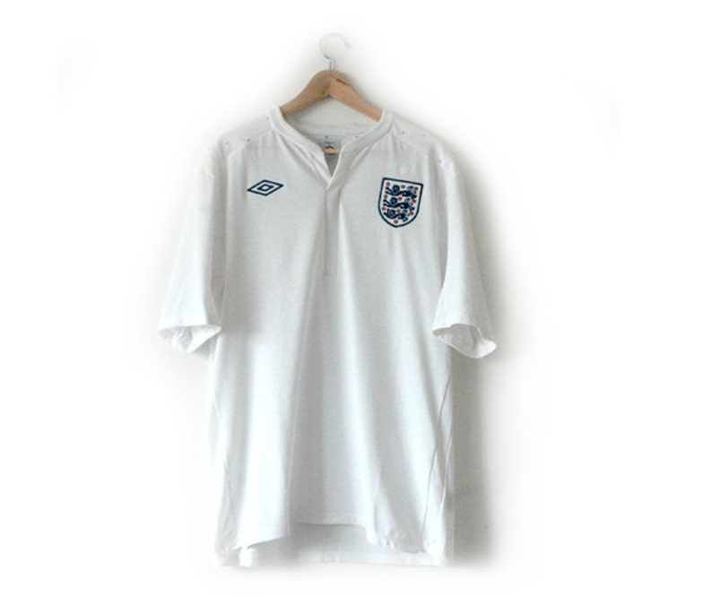 4abee75e9 England Umbro football top