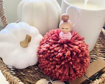 Nutmeg Pom Pom Sugar Plum Fairy