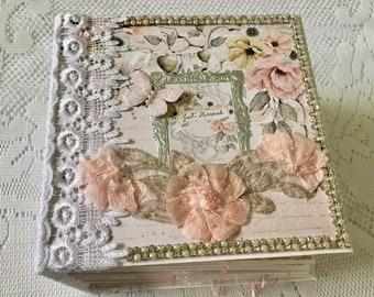 """Mini Album Wedding, Wedding Scrapbook Album, Size 8.5"""" x8.5"""" - 5"""" Spine, Photo Album, Pre Made Wedding Scrapbook, Gift For Bride From Mom"""