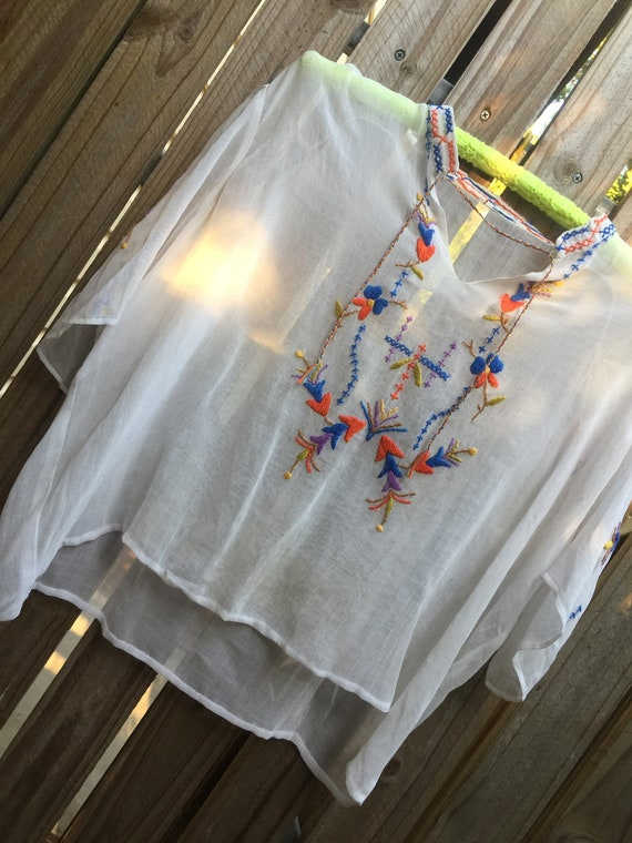 Vintage 1950's gauze embroidered blouse