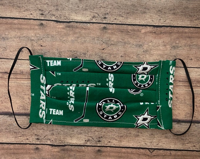 Face Mask - Green Stars - 100% Cotton cloth face protection with filter pocket and nose wire