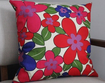 Bold Pattern//Screen Printed Cotton//Mid Century//Toss Cushions//Red Blue Flowers