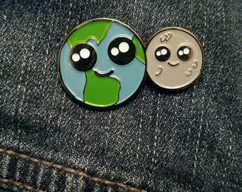 Earth and Moon - Best Buddies Forever enamel pin