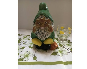 Vintage Gnome, Garden Gnome, Sitting Gnome 9in Tall, Traditional Gnome,  Garden Art, Fairies, Home Decor, Backyard Art, Yard Figurine