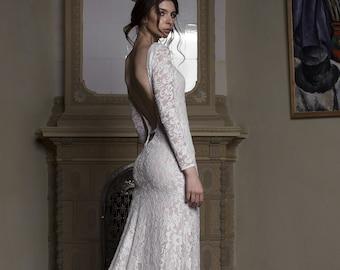 Long sleeve lace wedding dress 589b67a8bb80