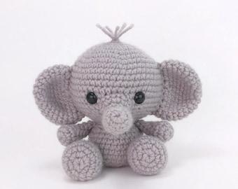 Elephant Pillow Crochet Pattern Josefina And Jeffery | Crochet ... | 270x340