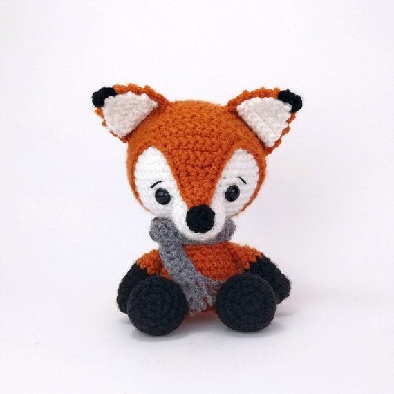 The sleepy fox amigurumi pattern | Hayvan desenleri, Serbest örgü ... | 569x570