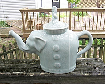 Elephant Ceramic Teapot, Turquoise Finish, Raised Trunk For Luck, Unusual Decorative Piece, Vintage Collectible Teapot.