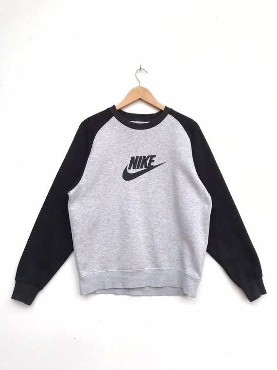 Vintage Nike Big Logo Sweatshirt / Nike Sweater /