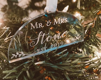Custom Mr and Mrs Christmas Ornament-Laser Cut Personalized 2019 Holiday Ornament,Newlyweds Modern Ornament,Acrylic,Gift Idea,Stocking Decor