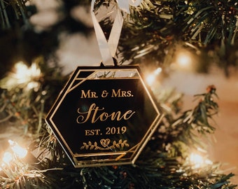 Custom Mr and Mrs Geometric Color Block Christmas Ornament-Laser Cut Personalized 2021 Holiday Ornament,Newlyweds Modern Ornament,Gift Idea