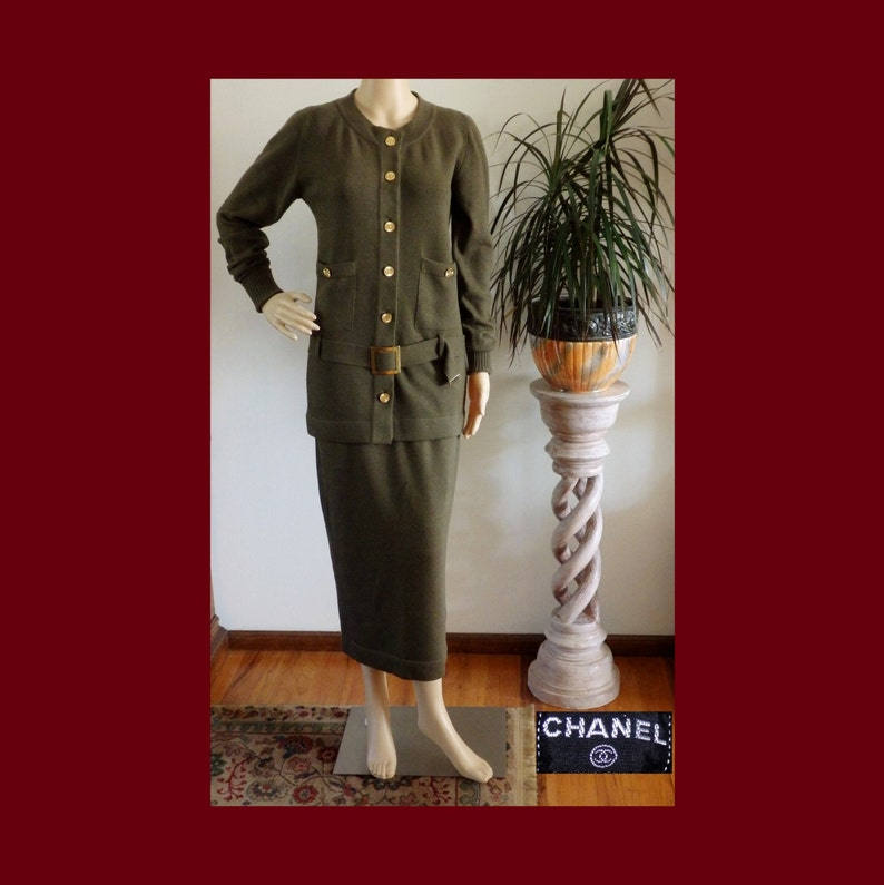 90s CHANEL CC Gold Logo Button Olive Green  a69ff8029