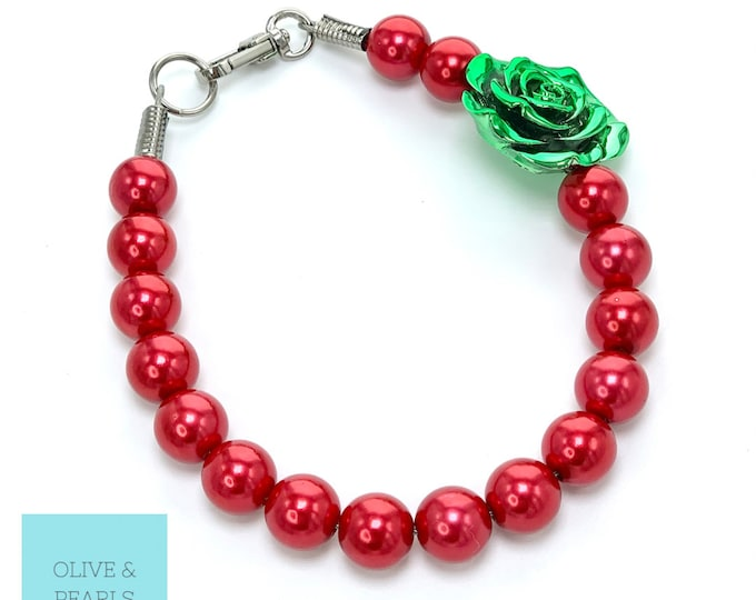 """The """"Evy"""" Christmas Pearl Dog Necklace"""