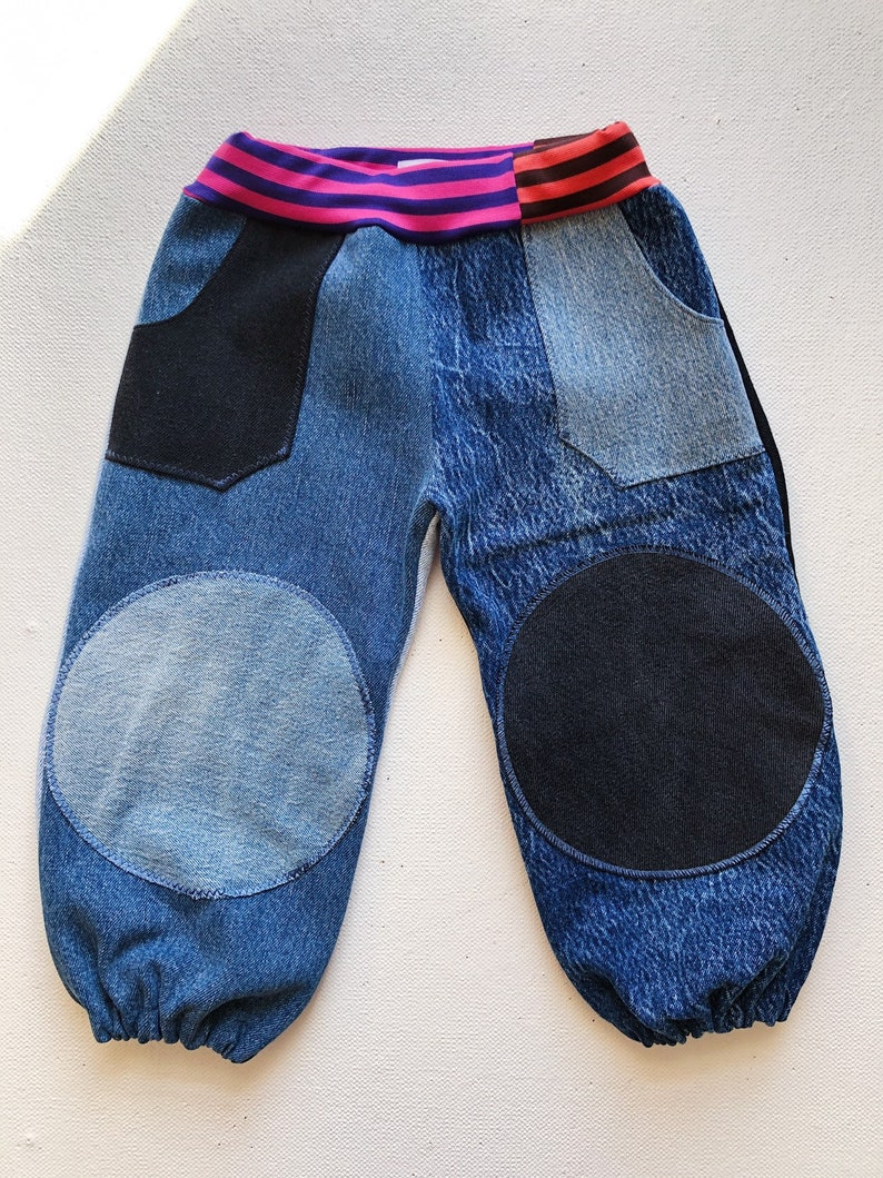 Size 3-4 yrs childrens wear street style durable comfortable unisex blue denim outdoor play skateboarding kids baggy jeans