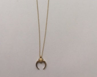 Delicate Gold Chain with Gold Horn