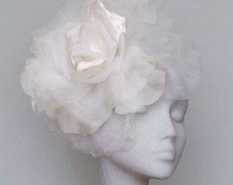 4673d47bf6d562 Ivory Fascinator Headpiece